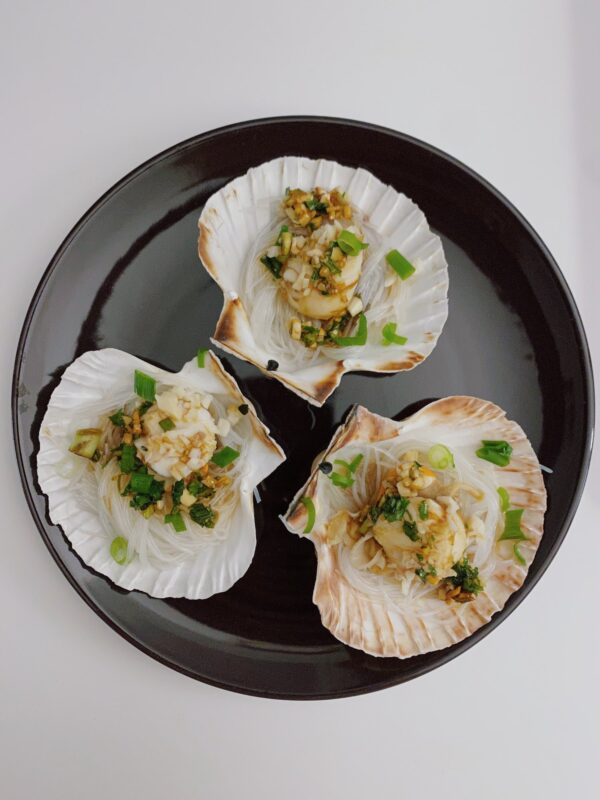 Cantonese Steamed Scallops with Vermicelli on Half Shell